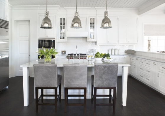 Grey and white kitchens for Grey white kitchen designs